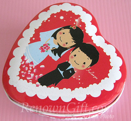 MT25 Japanese Comics Wedding Couple Mint Tin