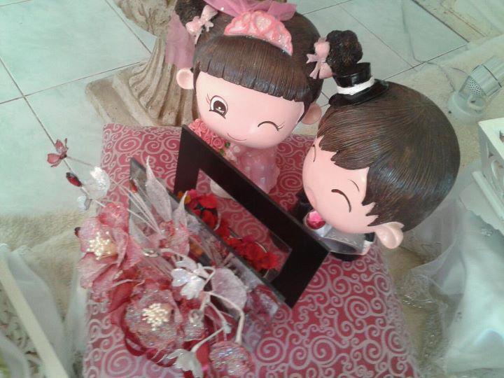 Hadiah patung pengantin