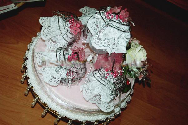 gubahan hantaran pink white potpori
