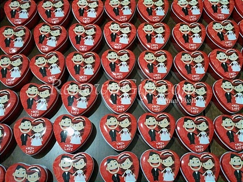 love shaped kotak mint tin