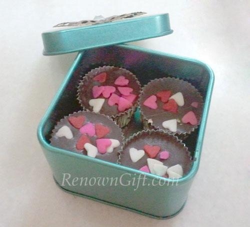 coklat dalam mint tin