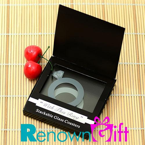 alas cawan cincin berlian dengan kotak